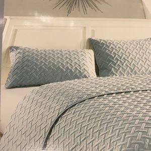 VCNY Home 3pc Quilt set King light blue